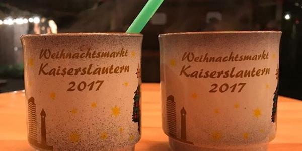 #kaiserslautern #christmasmarket #christmastree #europe #europelife #delicious #nofilter @crys_usita